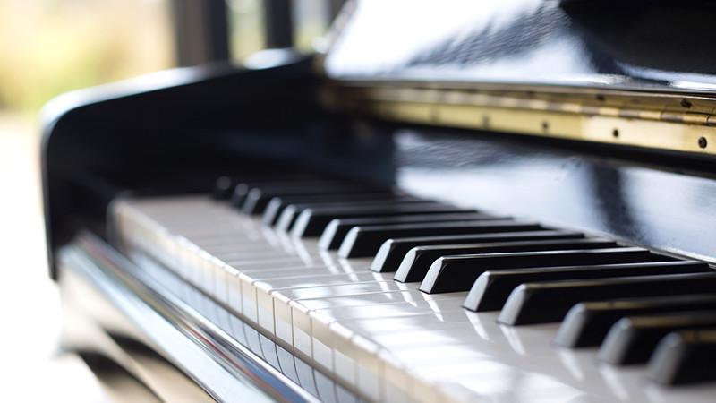 Pianos / Claviers